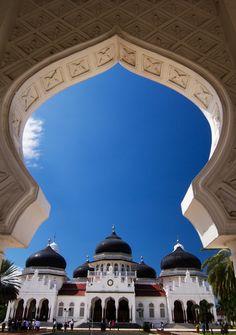 Mesjid Baiturrahman, Banda Aceh, Aceh, Indonesia #BlackTrail