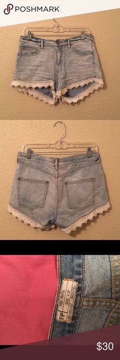 Free People shorts high waisted jean shorts with an adorable lace from from free people! size 27, great condition Free People Shorts Jean Shorts