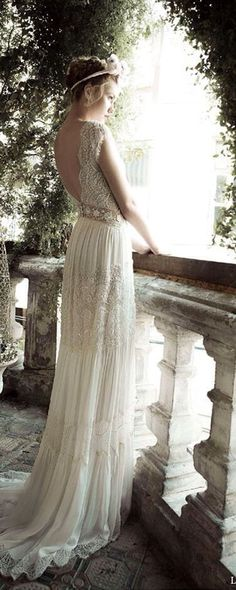 #lihi hod bridal ginger lily wedding dress side view #Luxury.com via #wedding inspiration
