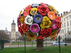 "The ""Flower Tree""A sculpture by Jeong-Hwa Choi, place Antonin Poncet in Lyons. photo by - Kl-loth"