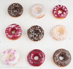 Donuts frisch aus dem eigenen Ofenfertig in weniger als 30 Minuten und mit drei leckeren Glasur