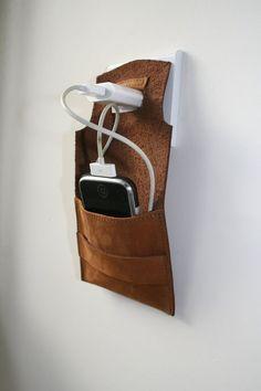 i phone dock station hammock van ConstructionSite op Etsy Leather Art, Leather Pouch, Leather Design, Art Du Cuir, Conception En Cuir, Pochette Portable, Crea Cuir, Unique Gifts For Men, Leather Projects