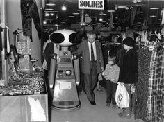 Sico robot shopping in Paris, 1979