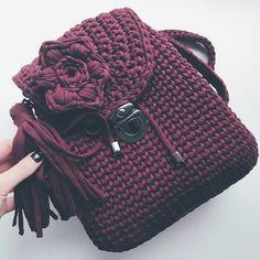 Ещё одно чудо для @gulzar155 Этот цвет всегда хит . . . ◾Для заказа ☎ +79269058575◾ Сделано Любовью #lovepleshkova #knittinglove #сделанолюбовью #bagknitting #связанолюбовью #коломна #коломнаручнаяработа #сумкимосква #москваручнаярубота #kolomna #moscow #handmadekolomna #handmademoscow #рюкзакизтрикотажнойпряжи #сумкаизтрикотажнойпряжиколомна #сумкаизтрикотажнойпряжи #клатчизтрикотажнойпряжи #сумочкаручнойработы #подарокнанг #пряжалента #сумканазаказ #сумкакрючком