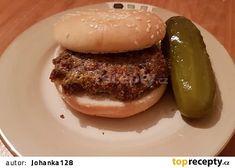 Domácí burger pečený v troubě recept - TopRecepty.cz Thing 1, Hamburger, Beef, Ethnic Recipes, Food, Meat, Essen, Burgers, Meals