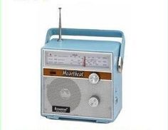 Steepletone SRLM2002 Heartbeat Portable Retro Radio 1960s Reproduction In Blue