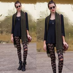 #stealthelook #look #looks #streetstyle #streetchic #moda #fashion #style #estilo #inspiration #inspired #renda #lace #meia #blusa #cachecol #coturno