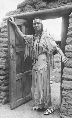 Florence Tsianina Evans (aka Tsianina Redfeather, aka Tsianina Blackstone) - Creek/Cherokee - circa 1925