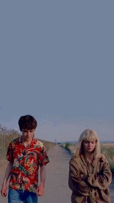 Read 10 from the story Fondos De Pantalla De The End Of The F** King World by LupitaArhe (ㅤ ㅤㅤㅤㅤLนツㅤ ㅤㅤㅤㅤㅤ) with reads. World Wallpaper, Tumblr Wallpaper, Screen Wallpaper, Wallpaper Quotes, Aesthetic Iphone Wallpaper, Aesthetic Wallpapers, Series Movies, Tv Series, James And Alyssa