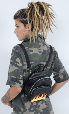 Mini Backpack, Mini Bag, Stationary Items, Ideias Fashion, Dreadlocks, Backpacks, Hair Styles, Kitchen Dining, Wallets