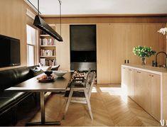 Manhattan Kitchen, Vincent Van Duysen, Romantic Homes, Higher Design, Oak Cabinets, Architectural Digest, Decoration, Home Kitchens, Kitchen Design