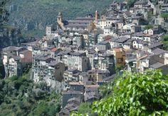 Saorge (Photo Bernard Marles) : situé au-dessus des gorges où coule la Roya, le bourg est l'un des plus beaux villages perchés du départemen...