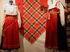 Traditional costumes from Sollerön- an island in the lake Siljan, in the Swedish province Dalarna. Folk Costume, Costumes, Bell Sleeves, Bell Sleeve Top, Island, Traditional, Photography, Tops, Women