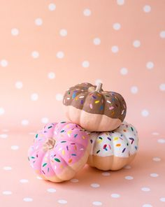 DIY no-carve pumpkin idea: They look like donuts!