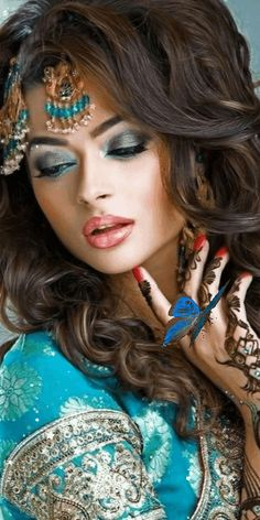 Make Ruby Salon your go-to beauty salon in Huntington Station, NY. Arabic Makeup, Indian Bridal Makeup, Bridal Makeup Looks, Bride Makeup, Bridal Beauty, Beautiful Girl Indian, Beautiful Eyes, Beautiful Bride, Look 2015