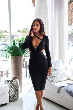 WILLOW BANDAGE DRESS #sexydress #bandagedress #KylieJenner#MidiDress #Dresses #PartyDress #Holt #HoltMiami #Miami #Miami Fashion #Womenswear #Womensfashion #beauty #clubwear #fun #elegant #Dressup #YOLO