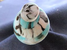 141.bague de créateur ronde 'Oeil de pierre' : Bague par tournicotti-tournicotta