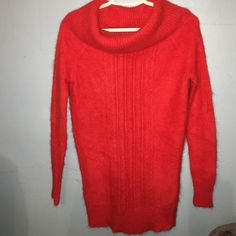 MODA International Rabbit Hair Sweater This Victoria's Secret MODA International Sweater is in excellent condition only worn a couple of times  it is a size X-Small and had a fiber content if 67% rabbit hair & 33% Nylon. Moda International Sweaters Cowl & Turtlenecks