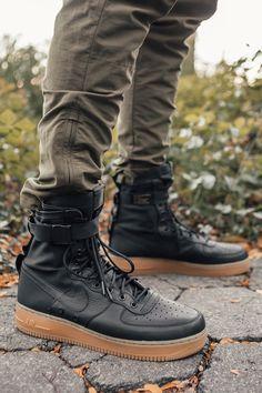 Rugged Style, Mens Shoes Boots, Shoe Boots, Shoes Women, Nike Street, Nike Sf Af1, Fashion Shoes, Mens Fashion, Street Fashion