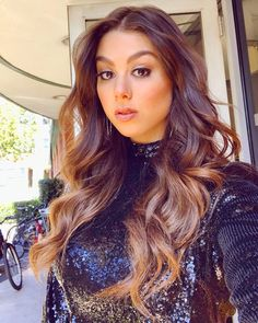 Like a lion Kira Kosarin, Monica Bellucci, Beautiful Celebrities, Beautiful Actresses, Nickelodeon Girls, Greasy Hair Hairstyles, Chloe Grace Moretz, Hot Brunette, I Love Girls