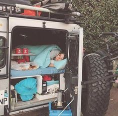 Have a nice day and a wonderful week! Land Rover Defender Camping, Defender Camper, Defender 90, Landrover Camper, Kombi Home, Van Camping, Camping Solo, Off Road Camper, Expedition Vehicle