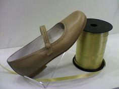 merceditas camel piel muy cómoda y elegante, muy adaptable para pies anchos