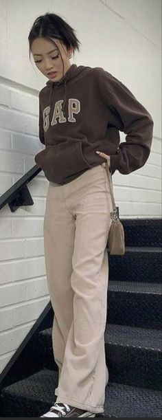 Teen Fashion Outfits, Swag Outfits, Retro Outfits, Cute Casual Outfits, Vintage Outfits, Girl Outfits, Mode Hipster, Looks Pinterest, Brown Outfit
