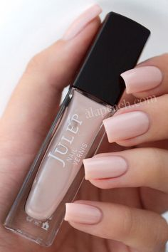 Julep Nail Vernis in Malin - pretty nude that's totally work appropriate