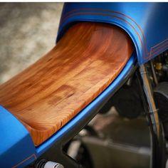 Wood seat details on @monnomcustoms latest build. . . #croig #caferacersofinstagram #caferacer #honda #cb550