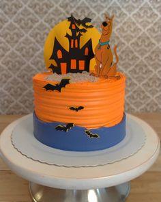 Bolo Scooby Doo, Scooby Doo Birthday Cake, Bolo Halloween, Halloween Cakes, Cupcakes, Cupcake Cakes, Avenger Cake, Character Cakes, Cakes For Men