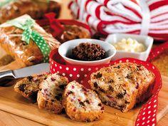 Hazelnut Fruit from Martha White® Biscuit Bread, Fruit Bread, Chocolate Hazelnut, No Bake Treats, Quick Bread, Freshly Baked, Sweet Bread, Serving Size, Quick Meals