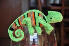 Girl & DIY outlet: Amigurumi..chameleon..free pattern, google translate