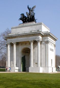 Constitution Arch aka. Wellinton Arch - Hyde Park Corner, London