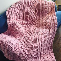 I Love My Blanket Knitting (@iloveblanket) • Instagram photos and videos Irish Celtic, Blanket Patterns, Celtic Designs, Knitting, Crochet, Videos, Photos, Instagram, Pictures