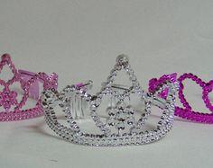 Tiara princesa cotillón las niñas coronas y por ASweetCelebration Etsy, Jewelry, Fashion, Crowns, Handmade Gifts, Peace, Princess, Hand Made, Trends