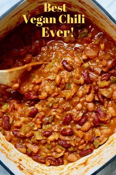 Best Vegan Chili This Vegan Chili Recipe is quick and easy healthy and has the best flavour full of veggies and beans It ticks all the boxes savoury spicy sweet and tangy. Vegan Dinner Recipes, Vegan Dinners, Whole Food Recipes, Healthy Recipes, Meatless Dinner Ideas, Vegan Recipes Easy Cheap, Vegan Recipes For Kids, Plant Based Dinner Recipes, Healthy Vegetarian Dinner Recipes