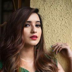 Shivani Surve, Best Photo Background, Photo Backgrounds, Cool Photos, Nymphs, Beauty, Beauty Illustration, Photography Backgrounds, Picture Backdrops