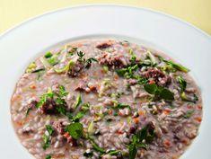 Scopri la paniscia, un tipico piatto della tradizione piemontese, con molte varianti regionali, rivisitato dal grande chef Antonino Cannavacciuolo.