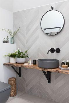 Sussex Master En Suite West One Bathroom. - Sussex Master En Suite West One Bathrooms Fallstudie - Bad Inspiration, Bathroom Inspiration, Bathroom Interior Design, Modern Interior Design, Bathroom Tile Designs, Rustic Bathroom Decor, Bathroom Layout, Modern Bathroom Design, Bath Design