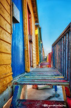 Surfer huts, Muizenberg beach, Cape Town. BelAfrique your personal travel planner - www.BelAfrique.com