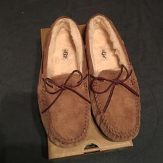 22275e5003271 NIB UGG Moccasins Brand new UGG Dakota Mocassins. Women s Size 9. Will come  with