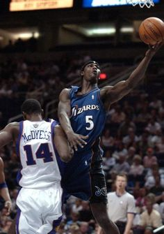 Kwame Brown assistentes