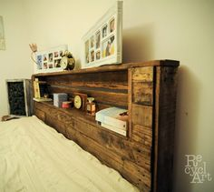 DIY Pallet Bed with Headboard and Lights – Easy Pallet Ideas Diy Pallet Bed, Pallet Ideas Easy, Diy Pallet Projects, Pallet Wood Bed Frame, Diy Ideas, Wood Pallet Furniture, Wood Pallets, Diy Furniture, Headboard With Shelves