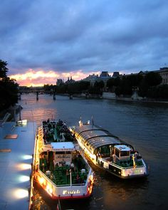 wandering memories: Paris III #nostalgia #paris #vespertine #lesbateauxmouches #eveningmoment #wander #citysightseeing  #europe