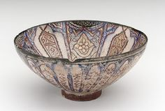 Bowl | Origin: Iran | Period: late 13th century Il-Khanid period | Photograph and description taken from Freer and the Sackler (Smithsonian) Museums.