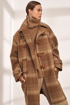 The complete Ralph Lauren Pre-Fall 2019 fashion show now on Vogue Runway. Fall Collection, Ralph Lauren Collection, Fashion Show Collection, Ralph Lauren Looks, Ralph Lauren Style, Fashion Moda, Look Fashion, Fall Fashion, Fashion Fashion