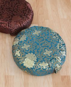 Check out these beautiful meditation cushions!                       #MeditationGifts #MeditationCushion #afflink