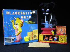 RARE VINTAGE 1960's TIN BATTERY OPERATED BLACKSMITH BEAR ORIGINAL BOX JAPAN A1