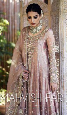 Pakistani Mehndi Dress, Pakistani Party Wear, Pakistani Wedding Outfits, Pakistani Couture, Bridal Lehenga Choli, Pakistani Dresses, Saree, Fancy Wedding Dresses, Designer Party Wear Dresses
