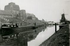 Reinders oliefabriek Zwolle. Koert Reinders (1845-1917) richt in Zwolle de oliefabrieken op. Eerder begon hij in 1869 in Martenshoek (Groningen) een oliemolen. Hij vertrok naar Zwolle en nam zijn knecht mee. Dit was in 1893. In 1969, kleinzoon Koert Reinders had toen het e.e.a. overgenomen van zijn opa, verongelukte Koert (kleinzoon) onderweg van Amsterdam naar Zwolle nadat hij fusiebesprekingen had gevoerd met Golden Wonder. In 1970 startte Golden Wonder met de produktie.